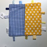 Labeldoekje, kraamcadeau, tutteldoekje geel met blauw, witte achterkant