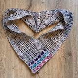 Patroon Valentijns hartjes sjaal met de heart stitch.