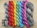 Garenpakket: Handgeverfd voor de Regenboog van Hoop sjaal INCL PDF breipatroon