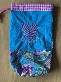 Yarnbag, project tasje, garen tasje, I hartje crochet, paars groene bloemen stof