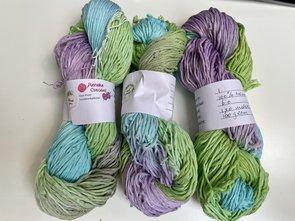 Handgeverfd garen, 100 gram, groen blauw paars kleurnr 1, skies heavy
