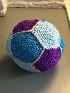 Gehaakte knuffel bal