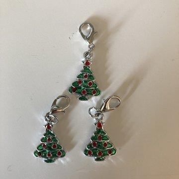 Stekenmarkeerder kerst kerstboom met rode stippen