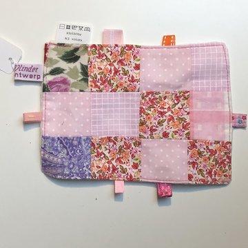 Labeldoekje, kraamcadeau, tutteldoekje patchwork, witte achterkant