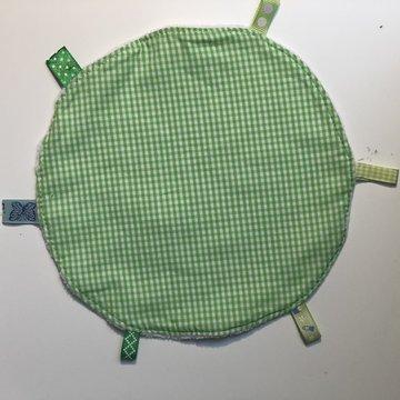 Labeldoekje, kraamcadeau, tutteldoekje rond groen met witte achterkant
