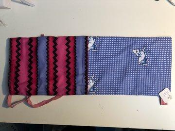 Kraamcadeau, kruikzak roze blauw met schaapjes