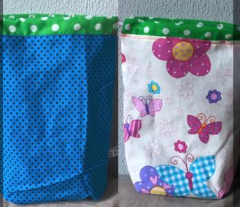 Handwerk project tas klein, yarnbag, omkeerbaar. licht geel met bloemen, blauw met stippen