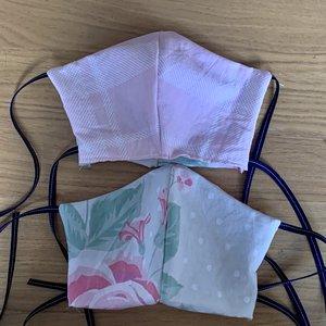 Genaaid mondkapje, mondmasker met ruimte voor filter, katoen, roze ruit & roze bloemen, bandjes