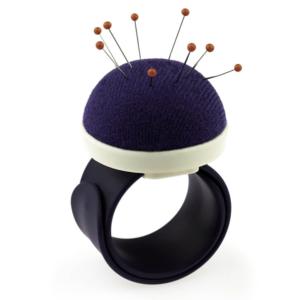 Prym Armbandspeldenkussen met siliconen band paars speldenkussen